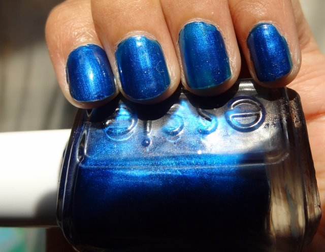 Electric Blue Nail Polish Essie Essie Aruba Blue Nail Polish