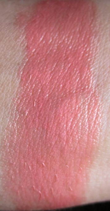 Lóreal Nutrishine Color Riche Lipstick in Shiny Coral: Swatches, & Review