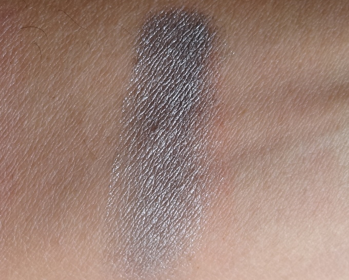 Mac Evening Grey Extra Dimension Eyeshadow (Glamour Daze Collection)